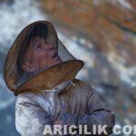 Nepal Arıcıların Arılardan Bal Alması 1